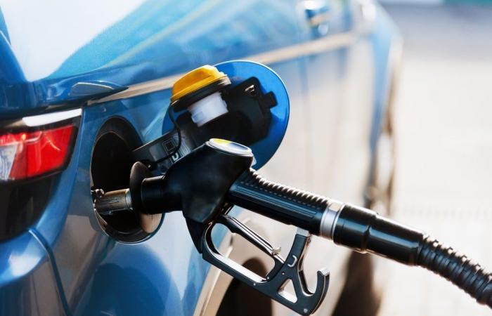 البنزين ينفذ من لبنان بحلول الإثنين المقبل!