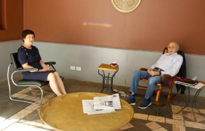 جنبلاط عرض الأوضاع مع منسقة الأمم المتحدة والسفير الصيني
