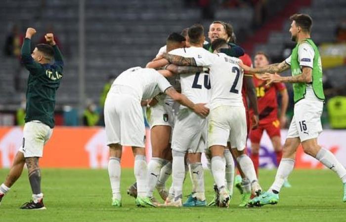 """إيطاليا ترد على المشككين وتعود بين """"عظماء"""" كرة القدم"""