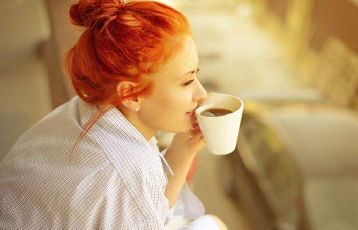 فنجان من القهوة يخفض خطر الإصابة بكورونا!