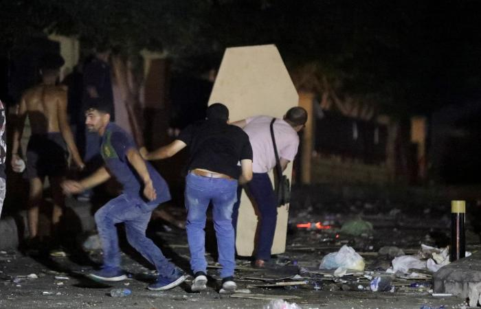 """جرح لم يلتئم.. أهالي الضحايا لوزير الداخلية: """"إرهابي"""""""
