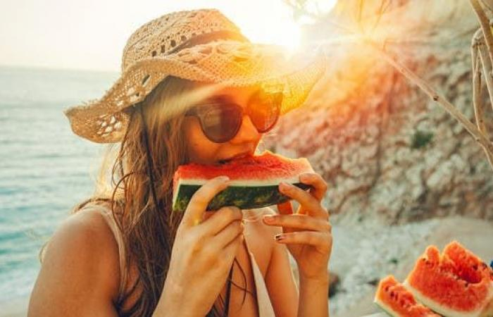 رغم فوائده العديدة.. لا تتناول البطيخ إذا كنت تعاني من هذه الأمراض!