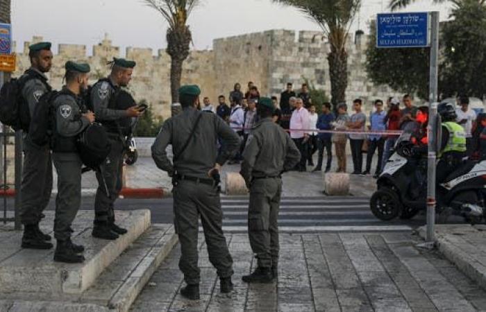 القوات الإسرائيلية تعتدي على شبان فلسطينيين قرب باب العامود في القدس