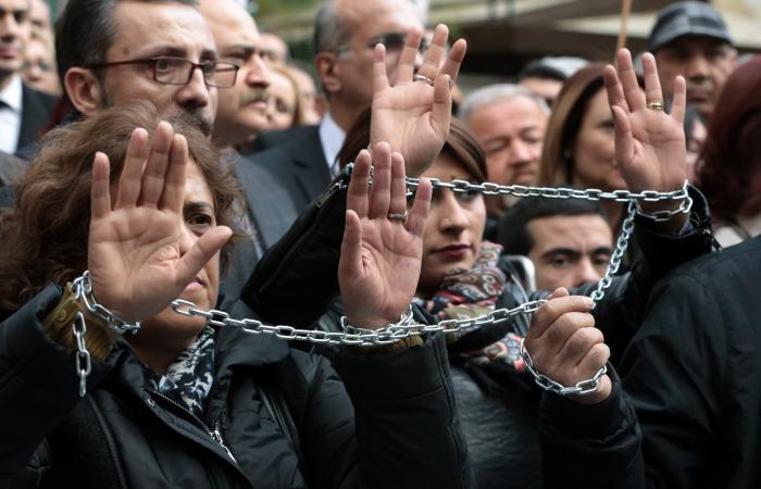 تركيا.. تنديد دولي بحرمان آلاف الصحافيين من بطاقات العمل
