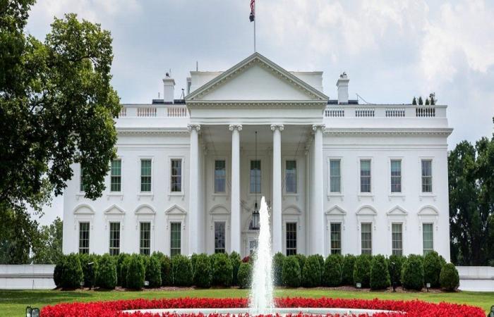 رغم تلقيهم اللقاح.. إصابة موظفين في البيت الأبيض بكورونا!