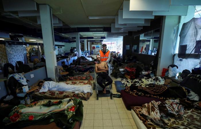 إضراب مئات المهاجرين عن الطعام يعرض حكومة بلجيكا للخطر
