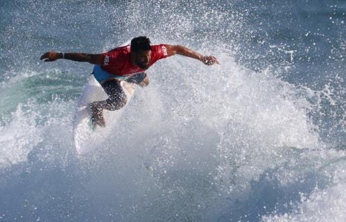 ظهور تاريخي لركوب الأمواج في الأولمبياد