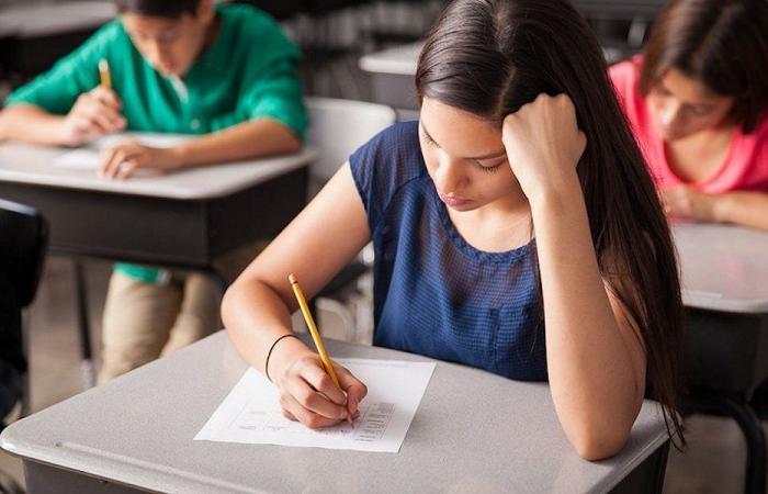 اليوم الأول من الامتحانات… أسئلة صعبة والمجذوب خذل الطلاب