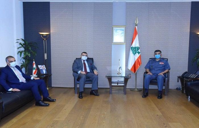 عثمان عرض الأوضاع مع السفير المصري