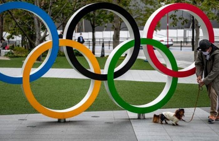 متطوع في الأولمبياد يصطدم بسيدتين ويلوذ بالفرار