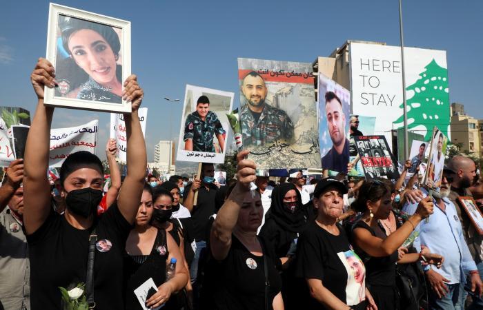 تظاهرة حاشدة في بيروت في ذكرى انفجار المرفأ