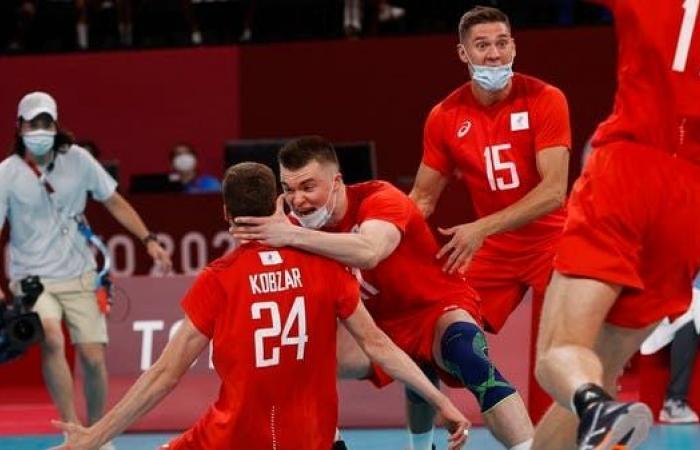 روسيا تجرد البرازيل من اللقب وتبلغ نهائي كرة الطائرة