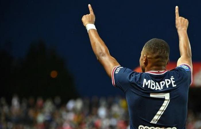 بيريز يسحب رقم لاعبه من أجل مبابي