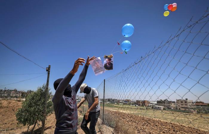 غارة إسرائيلية على موقع بغزة رداً على البالونات الحارقة