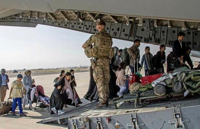 داعش يتبنى هجوم مطار كابل.. أطلقنا 6 صواريخ كاتيوشا