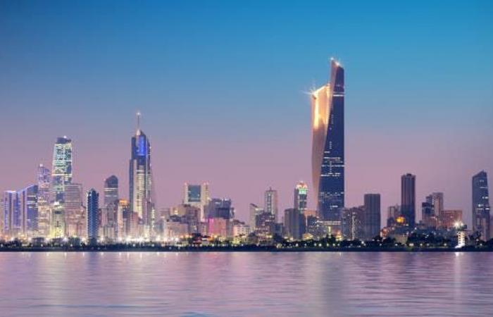 توجه حكومي بالكويت لتحويل قطاعات للعمل عن بعد بالكامل