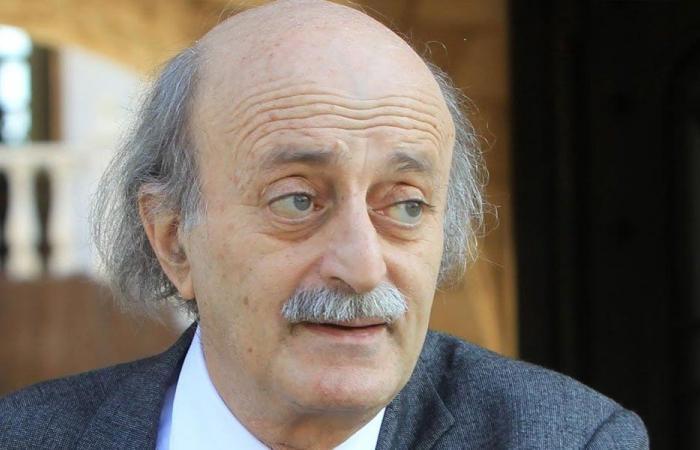 جنبلاط معزيا بقبلان: مسيرته تميزت بالمواقف الحكيمة