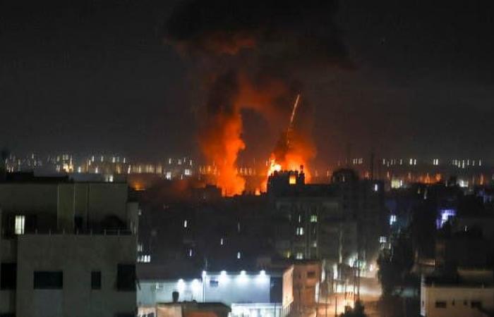 """مقاتلات إسرائيلية تغير على """"موقع لإنتاج قذائف صاروخية"""" تابع لحماس"""