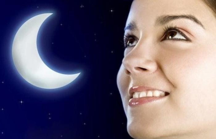 """تتبعها نجمات هوليوود.. ما هي """"حمية القمر"""" التي تفقدك 2.5 كلغ باليوم؟"""