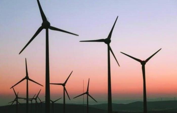 السعودية.. إنشاء مصنع لأبراج توليد الطاقة من الرياح بـ145 مليون ريال
