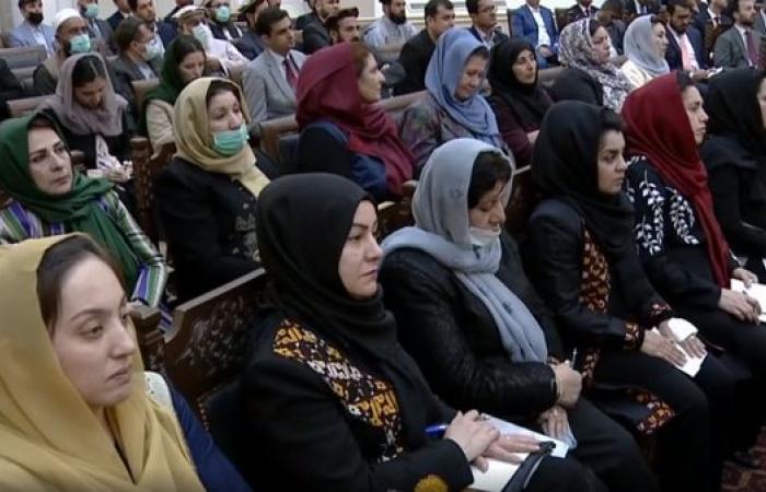قيادي من طالبان: لا ينبغي السماح للمرأة الأفغانية بالعمل إلى جانب الرجال