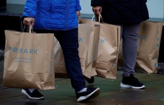 تراجع غير متوقع لمبيعات التجزئة في بريطانيا