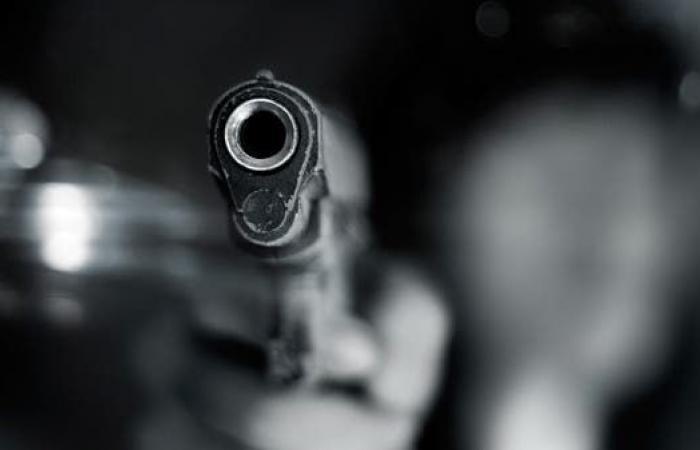 جريمة بشعة تهز تعز.. قتلت أباها وأصابت أمها وأخاها!