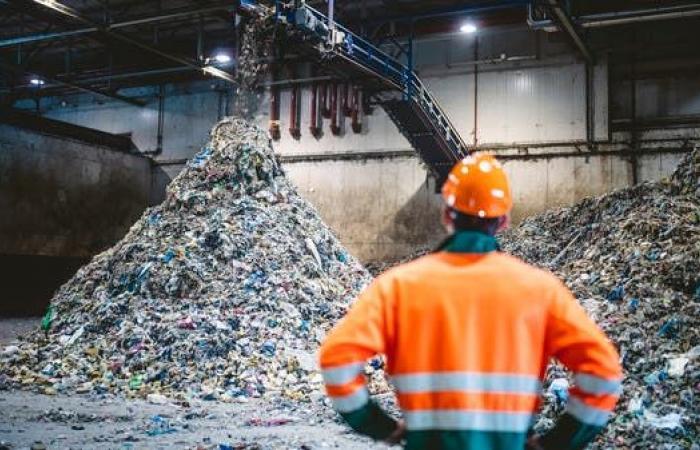 إعادة تدوير 5% فقط من النفايات في السعودية.. مشاريع وتحالفات لرفع المعدل