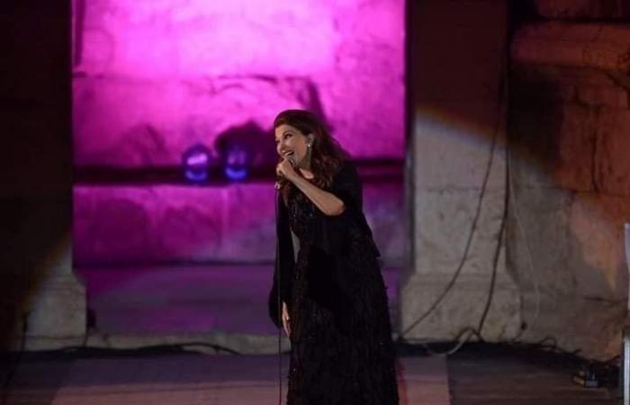 وزير الثقافة يطمئن على ماجدة الرومي: لبنان يفاخر بك