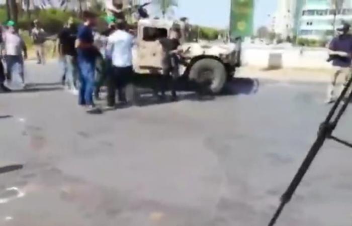 بالفيديو- عناصر حزبية تعتدي على فريق الـmtv!
