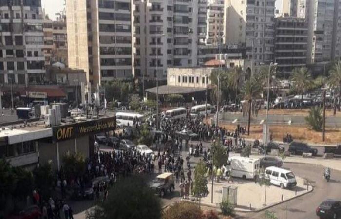 """بيروت تغلي: قتيل وجرحى و""""قنص"""""""