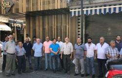اعتصام لعدد من اصحاب المحال التجارية في سوق صيدا