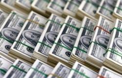 الجزائر تفقد 12 مليار دولار من الاحتياطي في 2018