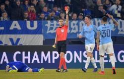 مانشستر سيتي يهزم شالكة ويضع قدماً في ربع نهائي دوري أبطال أوروبا