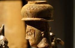 الخليح | العثور على تمثال امرأة تحمل جرة بالسعودية.. وهذه قصتها