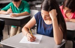 الضغوط النفسية أول تحديات العودة إلى المدارس