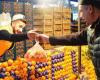 باع البرتقال في السوق الشعبي ووصل الى العالمية.. شاب ينافس برونو مارس بأغنيته الأولى!